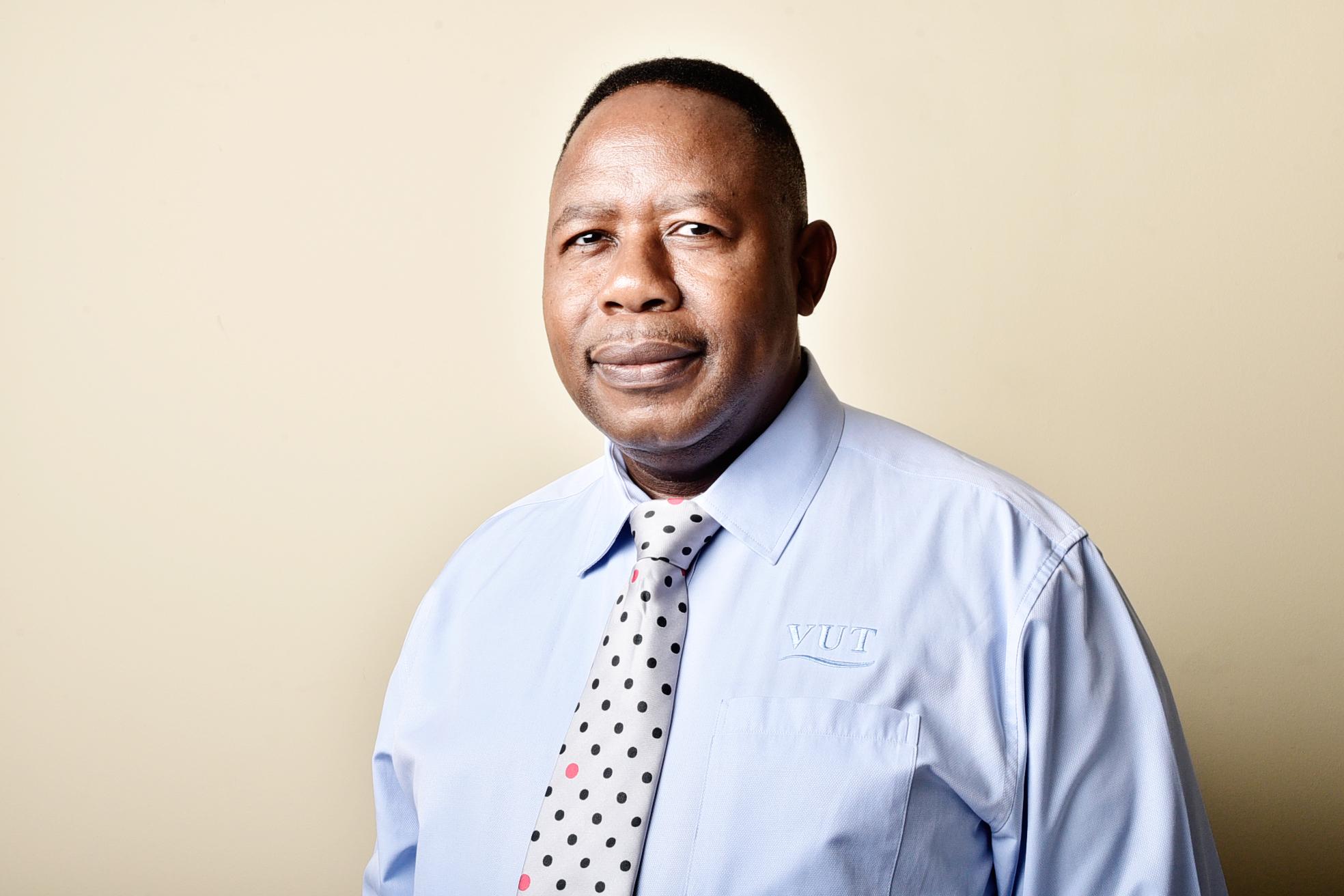 Dr Mokoena